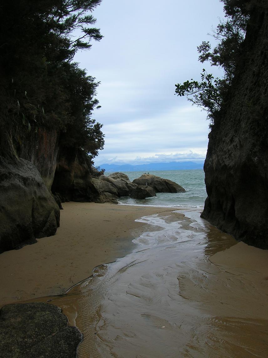 Eine der vielen einsamen Buchten
