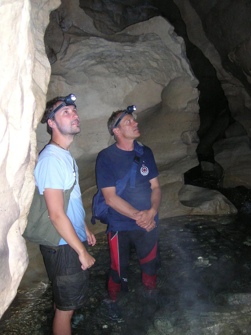 Ahhhh eine Höhle