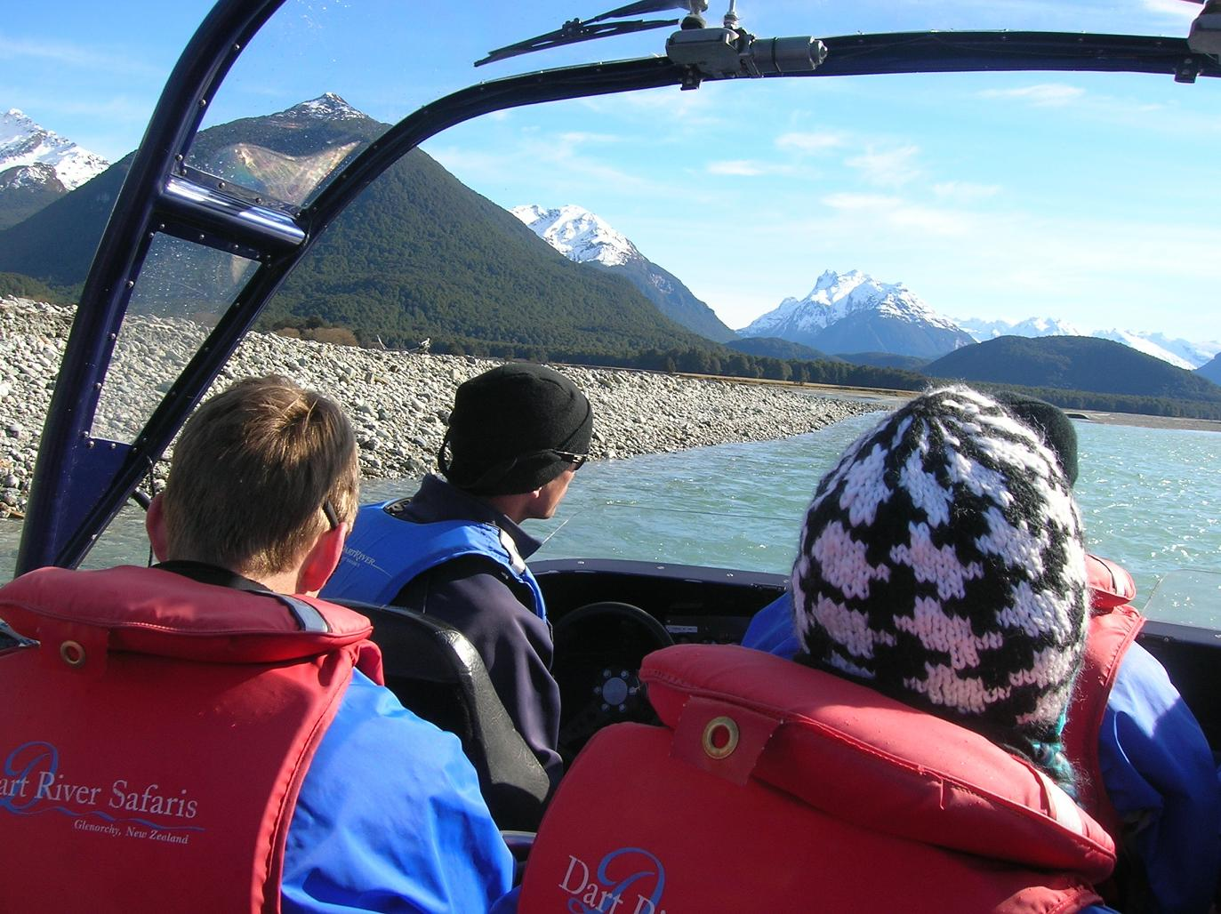 Dem Dart River entlang im Speedboat